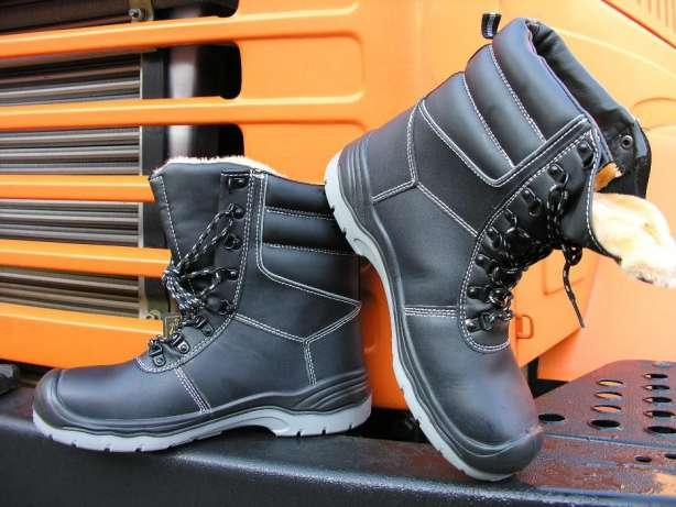 baff5083bbd7e5 Робоче взуття з металевим носком Brigadier 113 S3 - купити, ціна у ...